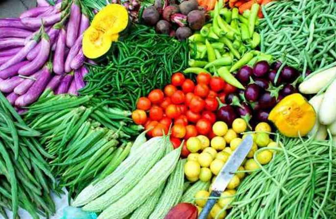 Vegetable prices increased due to low supply; Mumbai scissors pocket | कमी पुरवठ्यामुळे भाज्यांचे दर वाढले;मुंबईकरांचे खिशाला कात्री
