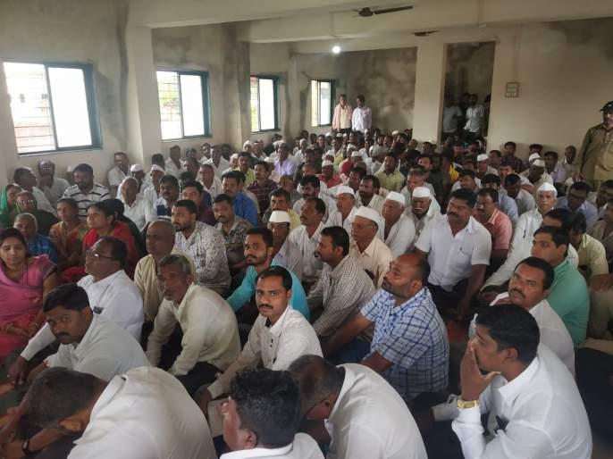 Time crumbles on topic of Krasher in Gram Sabha | वेळे ग्रामसभेत क्रेशरच्या विषयावरून गदारोळ : सदस्यांनी सभात्याग करून सभा बरखास्त