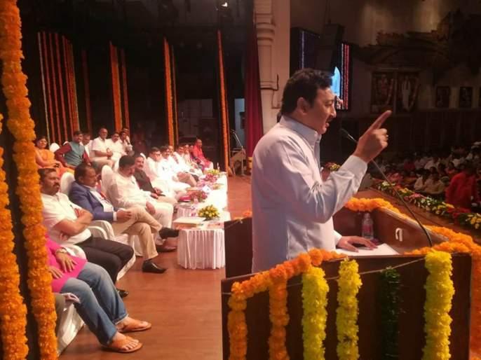 No time has passed from the hands of Congress; BJP MP Sambhajiraj claims! | काँग्रेसच्या हातून वेळ गेलेली नाही; भाजप खासदार संभाजीराजेंचा सूचक इशारा !