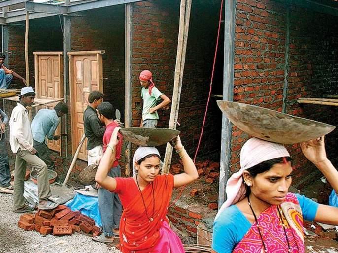 In Pune, Ulhasnagar 84% construction workers in remained unpaid | पुणे, उल्हासनगरमधील ८४ टक्के बांधकाम मजूर राहिले वेतनाविना