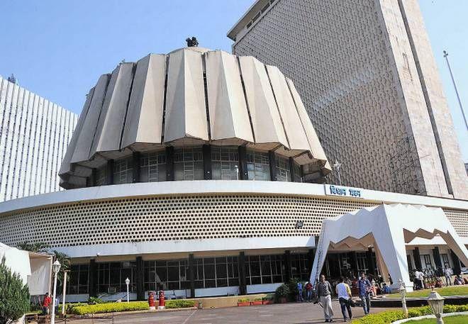 Starting from today's last session of bjp-shiv sena government | युती सरकारच्या शेवटच्या अधिवेशनाला आजपासून सुरुवात