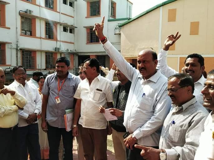 Shivaji University Senate Meeting: Strong proclamation to protest the administration | शिवाजी विद्यापीठ सिनेट सभा: प्रशासनाच्या निषेधार्थ जोरदार घोषणाबाजी