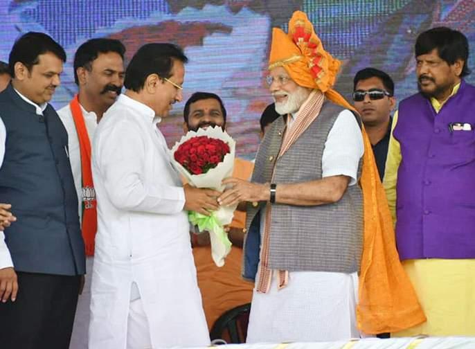 Will Vijay Singh Mohite-Patil take action against him ?   विजयसिंह मोहिते-पाटील यांच्यावर कारवाई होणार ?