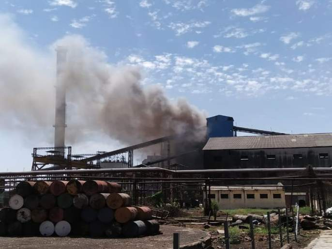 Vikhe Patil co-operative sugar factory fire, five workers burnt | विखे पाटील सहकारी साखर कारखान्यात आग, पाच कामगार होरपळले