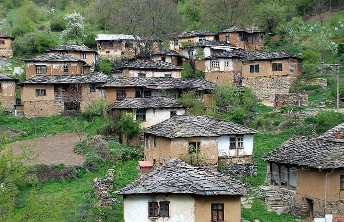 gram panchayat development plan, r you keen about it. | जग बदलाल तेव्हा बदलाल, गाव बदलायची संधी सोडू नका.