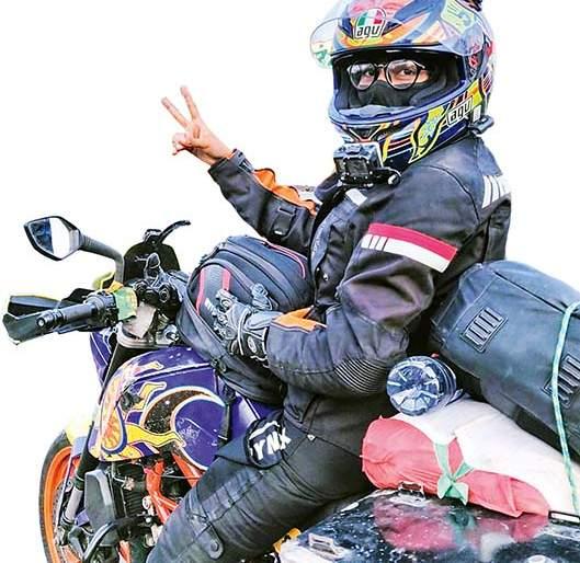 motovlog : Meet Mumbai Rider Women!   motovlog: भेटा मुंबईकर राइडर तरुणीला!