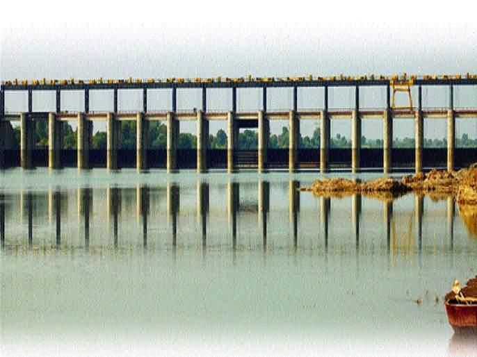 In Nanded district, 57 percent water supply in the projects | नांदेड जिल्ह्यातील प्रकल्पांत ५७ टक्के पाणीसाठा