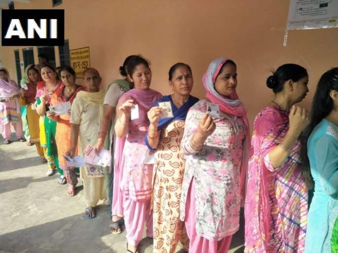Lok Sabha Election 2019 Live Voting Updates and Latest News in Marathi, Polling in 59 constituencies in 7 states today   Lok Sabha Election Voting : सात राज्यातील 59 मतदारसंघात संध्याकाळी 7 वाजेपर्यंत सुमारे 61.14% मतदान