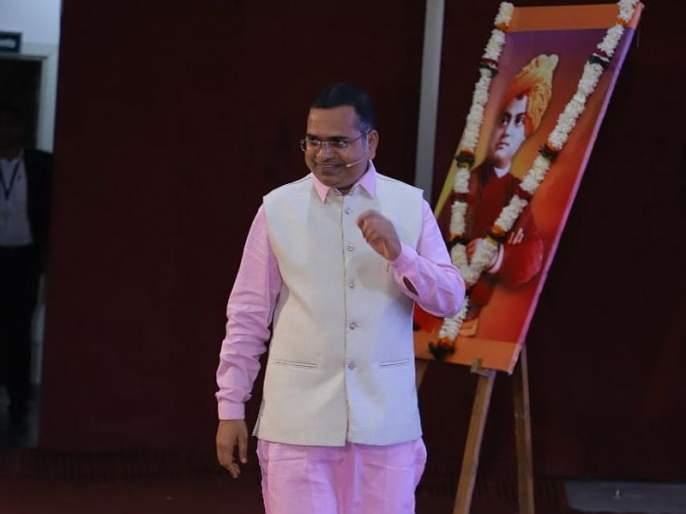 ispiration of businessman Namdevrao jadhav will join vanchit bahujan aghadi | मराठी तरुणाईला उद्योजकतेचे धडे देणारे नामदेवराव 'वंचित बहुजन आघाडीत'