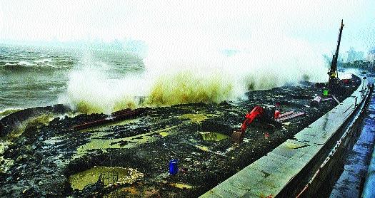 Mumbai experienced rain ordeal in Shravan   मुंबईने श्रावणात अनुभवले पावसाचे तांडव
