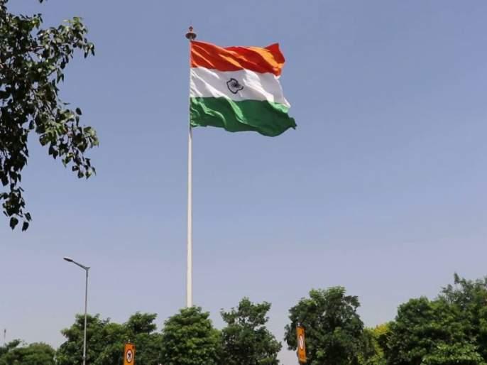The flag is high on ours ..... all over the country the tricolor salute, the social media become 'Jai Hind' | झंडा उँचा रहे हमारा..... देशभरात तिरंग्याला सलामी, सोशल मीडिया 'हिंद'मय