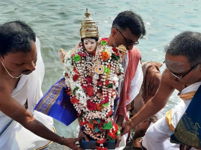 The idol of Mother Krishnaveni was duly installed as per tradition | श्री क्षेत्र नृसिंहवाडी परिसरात कृष्णावेणी मातेच्या मूर्तीची परंपरेनुसार विधिवत प्रतिष्ठापना