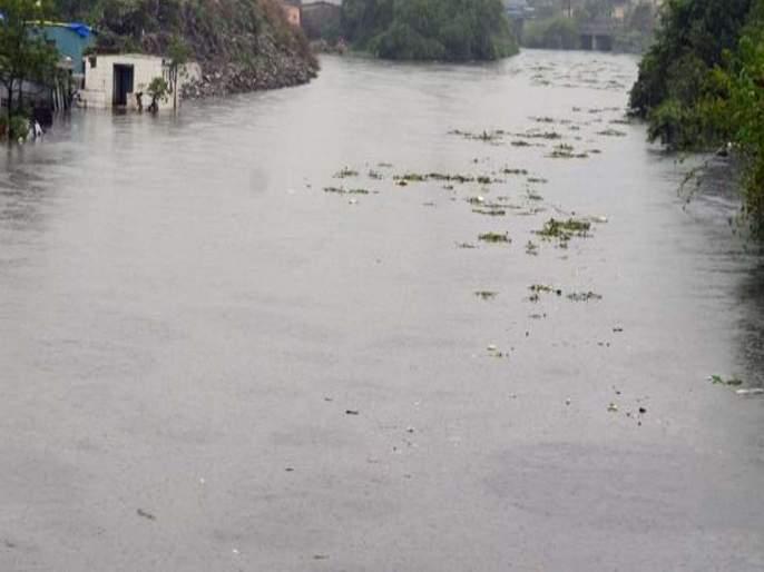 Curse of the river Valdhuni to Ulhasnagar?   उल्हासनगरला वालधुनी नदीचा शाप?