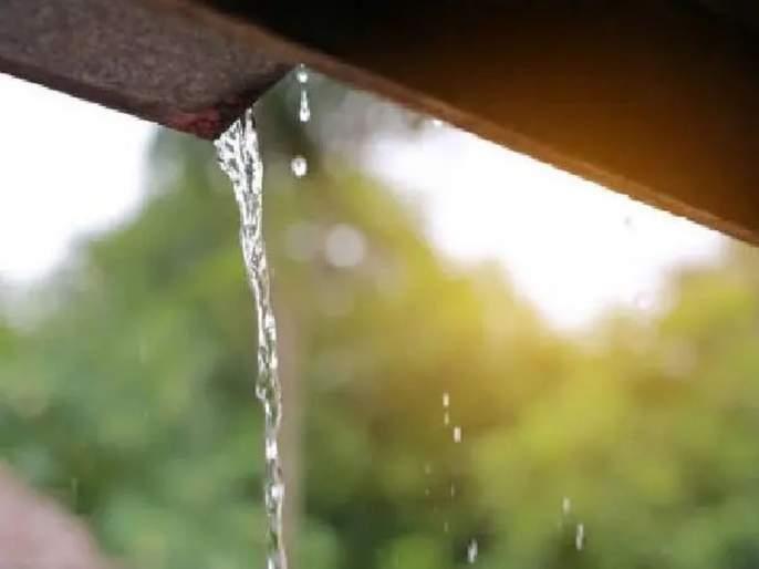 Chennai man comes up with rainwater harvesting system that costs only Rs 250 | फक्त 250 रुपयांत 'रेनवॉटर हार्वेस्टिंग'; 'या' अवलियानं 10 मिनिटांत साठवलं 225 लिटर पाणी