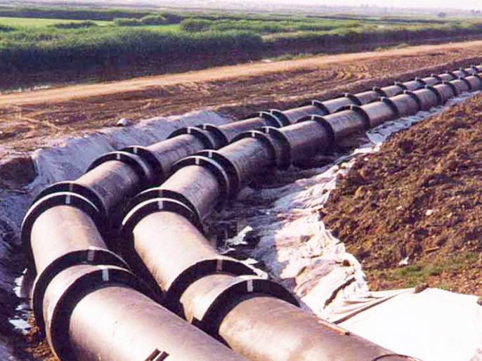 Leakage of Matheran's water-drain | माथेरानच्या जलवाहिनीला गळती