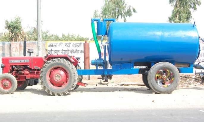 Water supply through tankers in two more villages of Akola district! | अकोला जिल्ह्यातील आणखी दोन गावांत टँकरद्वारे पाणी पुरवठा!