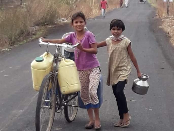 Villagers has to be wandering for drinking water! | पिण्याच्या पाण्यासाठी ग्रामस्थांची दोन किमी पायपीट!