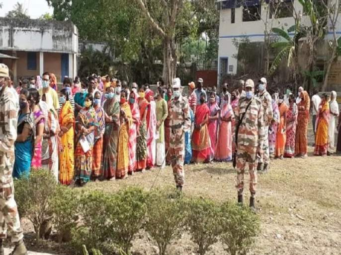 west bengal assembly election 2021 78 percent voter turnout recorded till 5 pm | West Bengal Election 2021: पश्चिम बंगालमध्ये ५ व्या टप्प्यात ७८.३६ टक्के मतदान; काही ठिकाणी हिंसाचार