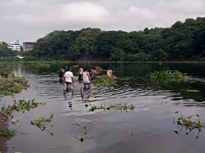 5 year boy went into the river while riding bicycle | सायकल खेळताना चिमुकला गेला नदीत