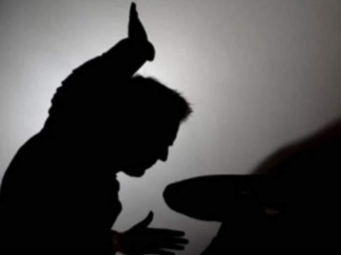 kerala man hits son with spade handle for failing to score a plus arrested | धक्कादायक! परीक्षेत 'ए प्लस' न मिळाल्याने वडिलांची मुलाला कुदळीने मारहाण