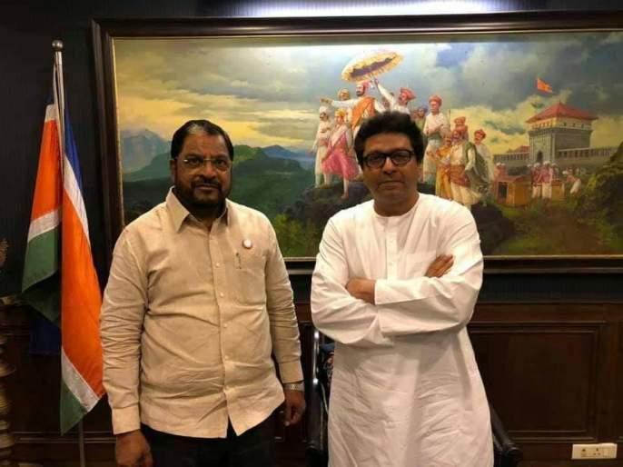 Raju Shetty meeting with MNS Chief Raj Thackeray   राजू शेट्टी यांनी घेतली राज ठाकरेंची भेट, शेतकरी प्रश्नावर मनसे-स्वाभिमानी संघटना एकत्र येणार?