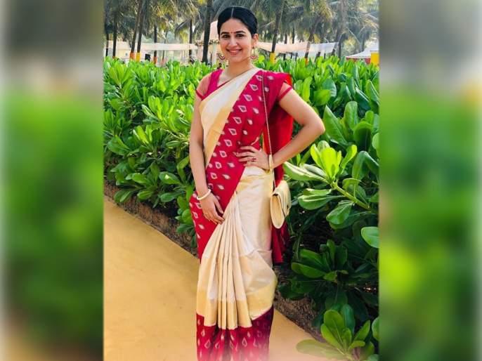 Vaidehi parshurami share sarees photo on instagram | सफेद रंगाच्या साडीत खुललं वैदहीचे सौंदर्य, फॅन्स म्हणाले, ही मराठीत इंडस्ट्रीतील कतरिना