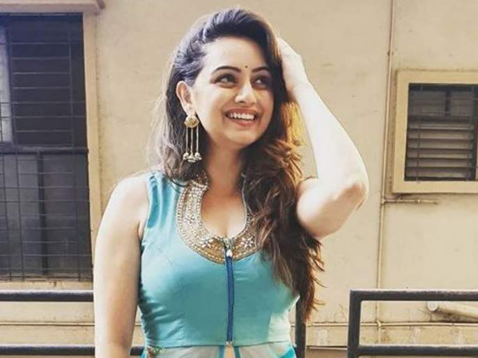 Shruti marathe share her new pic on social media | श्रृतीचं सौंदर्य पाहून चाहते झाले फिदा, म्हणाले ही तर अप्सरा