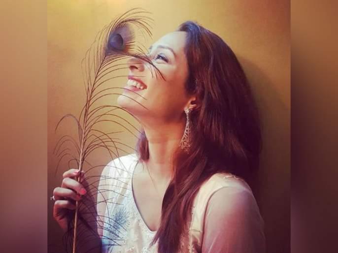 Priya marathe share new photo on social media | प्रिया मराठेचा हा फोटो पाहून तुम्हीही पडला तिच्या प्रेमात