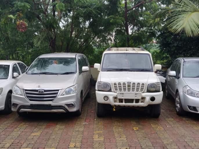 Arrested for stealing dozens of vehicles; 1 crore 5 lakh rupees vehicles seized by Pimapri Police   डझनभर अलिशान वाहनांची चोरी करणारा अटकेत;१ कोटी १३ लाख रुपयाची वाहने हस्तगत