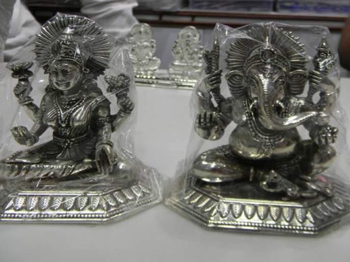 make in india heavy on idols of china this diwali   दिवाळीच्या बाजारावर 'मेक इन इंडिया'चा प्रभाव