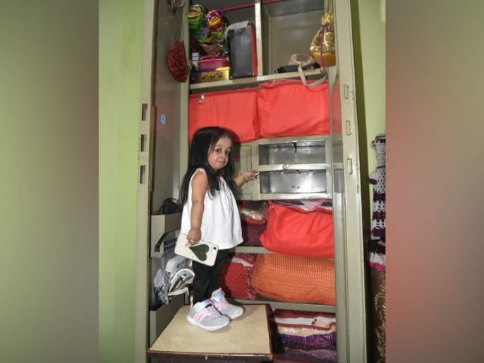 Theft at the home of World's smallest woman Jyoti Amge | जगातील सर्वात कमी उंचीची महिला ज्योती आमगेंच्या घरी चोरी