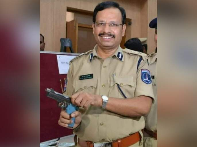 Hyderabad Encounter : Salute to you sir! showers of praise on Police Commissioner V.C. sajjanar   सॅल्यूट टू यू सर! पोलीस आयुक्त वी.सी. सज्जनार यांच्यावर कौतुकाचा वर्षाव