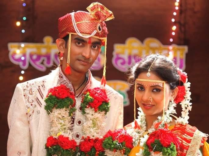Aatpadi Nights Review   Aatpadi Nights Review: प्रेमाचा खुमासदार जांगडगुत्ता
