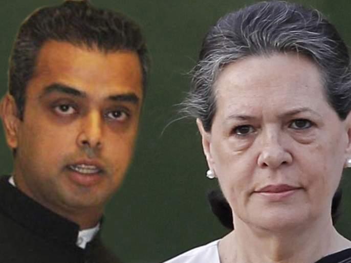 The Congress should do what the NCP-Shiv Sena did in power; Milind Dewar's letter to Sonia Gandhi   सत्तेत येऊन राष्ट्रवादी-शिवसेनेनं 'जे' केलं, ते काँग्रेसनेही करावं; मिलिंद देवरांचे सोनिया गांधींना पत्र