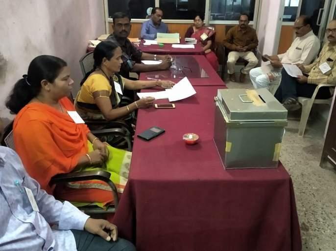 99% voting for two directors of Mumbai Market Committee; Voting in Mumbai on March 2 | मुंबई बाजार समितीच्या दोन संचालकपदाकरिता ९९ टक्के मतदान;२ मार्च रोजी मुंबईत मतमोजणी