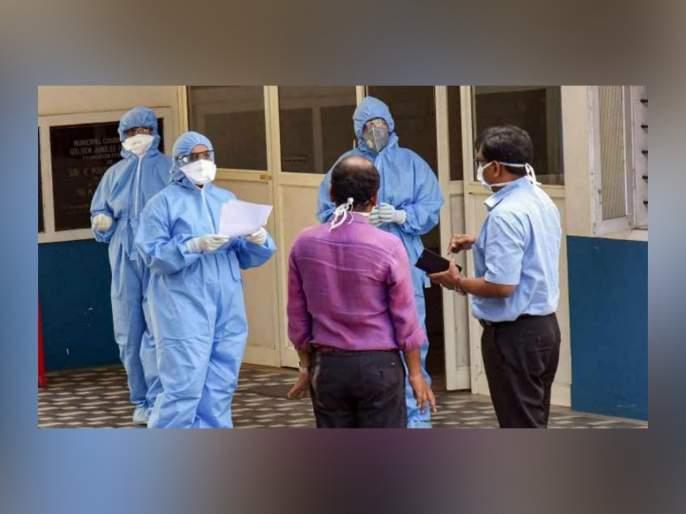 Coronavirus 108 members of hospital staff including doctors nurses quarantine SSS   Coronavirus : बापरे! दिल्लीतील तब्बल 108 डॉक्टर आणि नर्स क्वारंटाईन