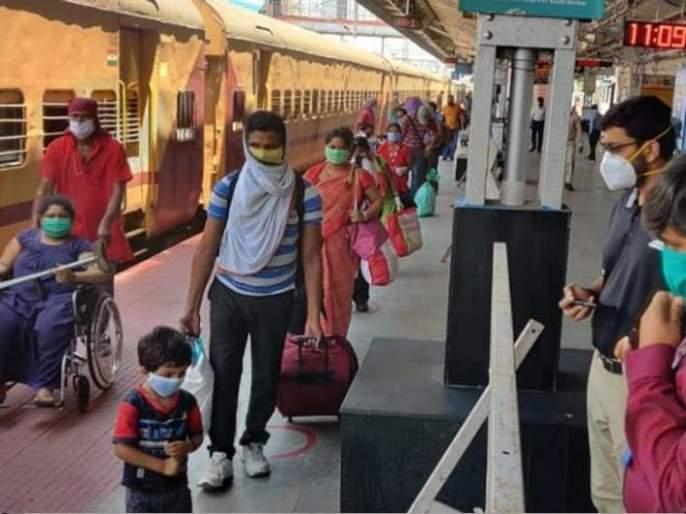 CoronaVirus Marathi News lockdown 7 laborers died one day journey SSS | CoronaVirus News : बापरे! रेल्वे प्रवासात एकाच दिवशी 7 मजुरांचा मृत्यू; कारण वाचून व्हाल हैराण