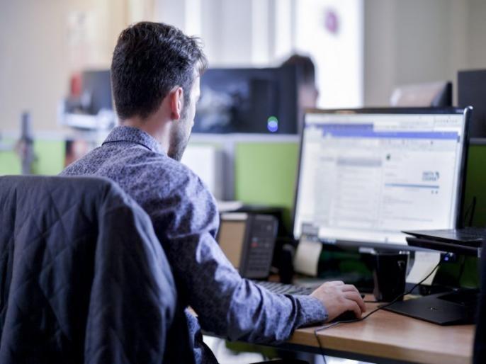 infosys had 74 crorepatis in 2020 fiscal infosys | 'या' कंपनीचे तब्बल 74 कर्मचारी करोडपती झाले; CEO चे पॅकेजही 39 टक्क्यांनी वाढले