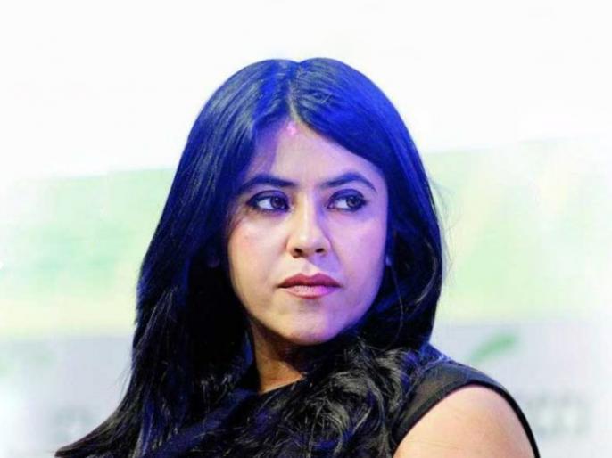 Stone pelting at ekta kapoor home for hurting sentiments in web show virgin bhasskar 2 | एकता कपूर पुन्हा अडकली वादात, वेबसीरिजमधल्या 'त्या' सीनमुळे जमावाची घरावर दगडफेक