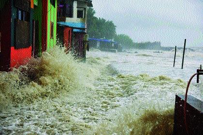 Heavy rain in Mumbai, Thane and Konkan! Heavy rains in Kolhapur and Satara too | मुंबई, ठाण्यासह कोकणात पावसाचे धूमशान! कोल्हापूर, साताऱ्यातही दमदार पाऊस