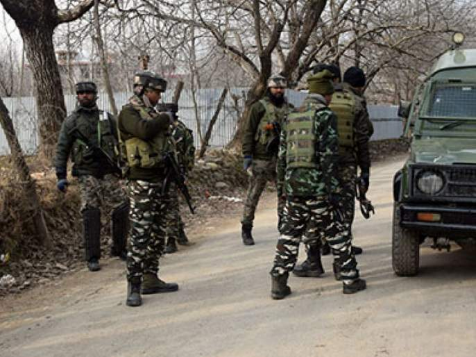 Terrorist attack on army patrolling team in Kashmir, soldier injured   काश्मीरमध्ये लष्कराच्या गस्तीपथकावर दहशतवादी हल्ला, जवान जखमी