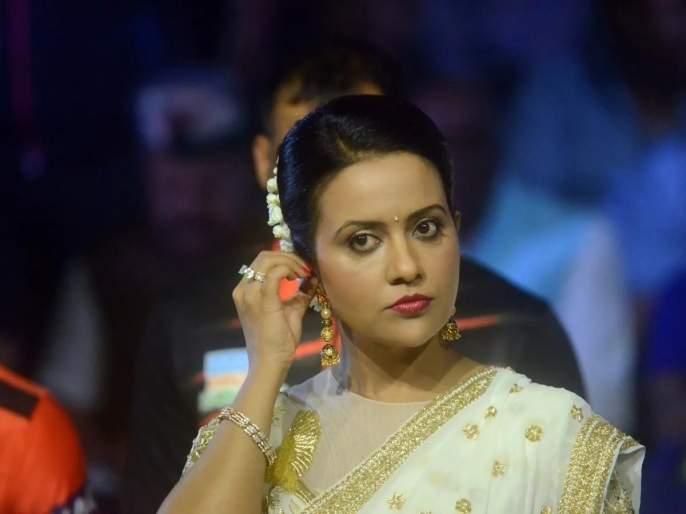 Everyone has the right to express, Amrita Fadnavis backs Kangana Ranaut | अमृता फडणवीस यांच्याकडून कंगना राणौतची पाठराखण, म्हणाल्या...