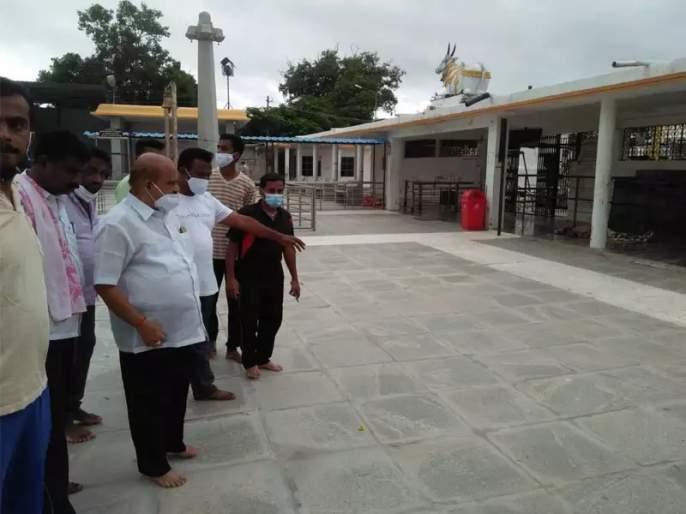 Shocking! Thieves broke into the temple and killed three priests | धक्कादायक! मंदिरात चोरट्यांनी घुसून तीन पुजाऱ्यांची केली निर्घृण हत्या