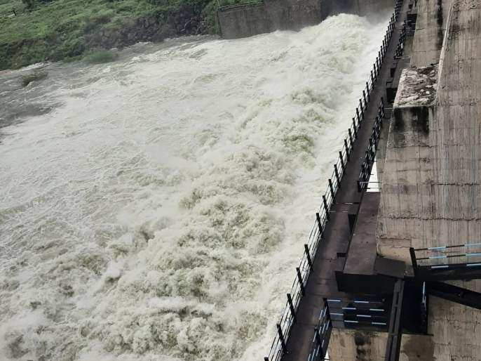 14 doors of lower Dudhna dam project opened | निम्न दुधना प्रकल्पाचे १४ दरवाजे उघडले