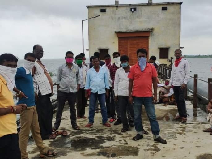 Water supply workers protest, water supply cut off | पाणी पुरवठा कर्मचार्यांचे ठिय्या आंदोलन, पाणी पुरवठा बंद