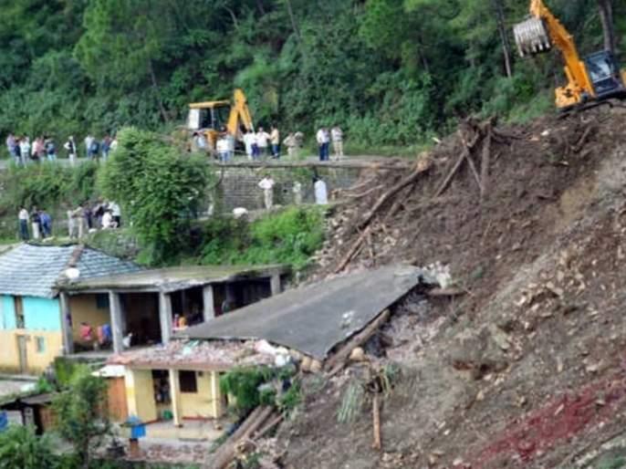 National level women cricketer Razia Ahmed death & 5 missing as landslide buries homes in Meghalaya | भूस्खलनामुळे डोंगर घरावर कोसळला, राष्ट्रीय स्तरावरील महिला क्रिकेटपटूचा मृत्यू