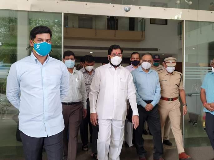 Urban Development Minister Eknath Shinde beat Corona and was discharged from the hospital   नगरविकास मंत्री एकनाथ शिंदे यांची कोरोनावर मात, रुग्णालयातून मिळाला डिस्चार्ज