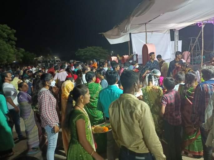 Enthusiasm in Navratra festival of Yavatmal even in times of worry   दुर्गे दुर्घट भारी... काळजीच्या काळातही यवतमाळच्या नवरात्रौत्सवात उत्साह