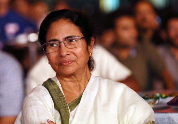 Big blow to Mamata Banerjee, senior colleague Suvendu Adhikari Resigned from the W. Bengal government | ममता बॅनर्जींना मोठा धक्का, ज्येष्ठ सहकारी आणि बड्या मंत्राने प. बंगाल सरकारमधून दिला राजीनामा