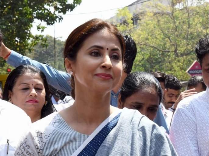Urmila Matondkar denied the news that she will join Shiv Sena   शिवसेना प्रवेशाच्या चर्चेवर उर्मिला मातोंडकर यांनी दिले स्पष्टीकरण, म्हणाल्या...